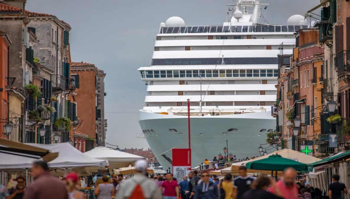 Kreizfahrtschiff-2-1132x644