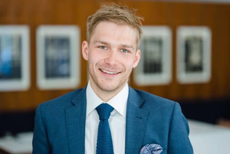 Portrait von Raphael Reichardt, neuer Restaurantleiter im Restaurant Tim Raue