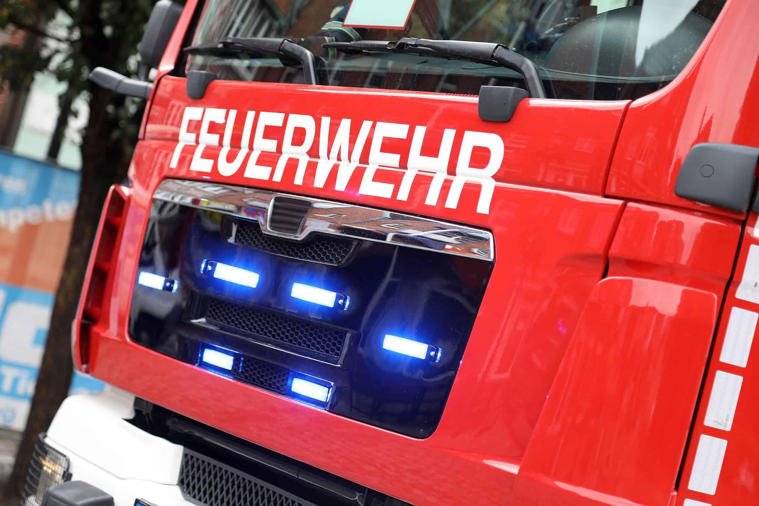 shutterstock_1842755839_feuerwehr-scaled
